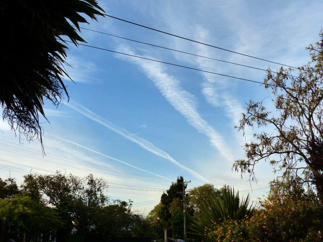 Blenheim, aerosol trails. November the 6th, 2015.